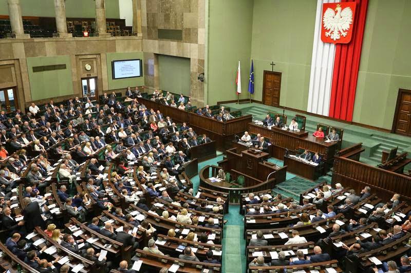 Sejm katolicka kaplica Piotr Burgoński obrzędy