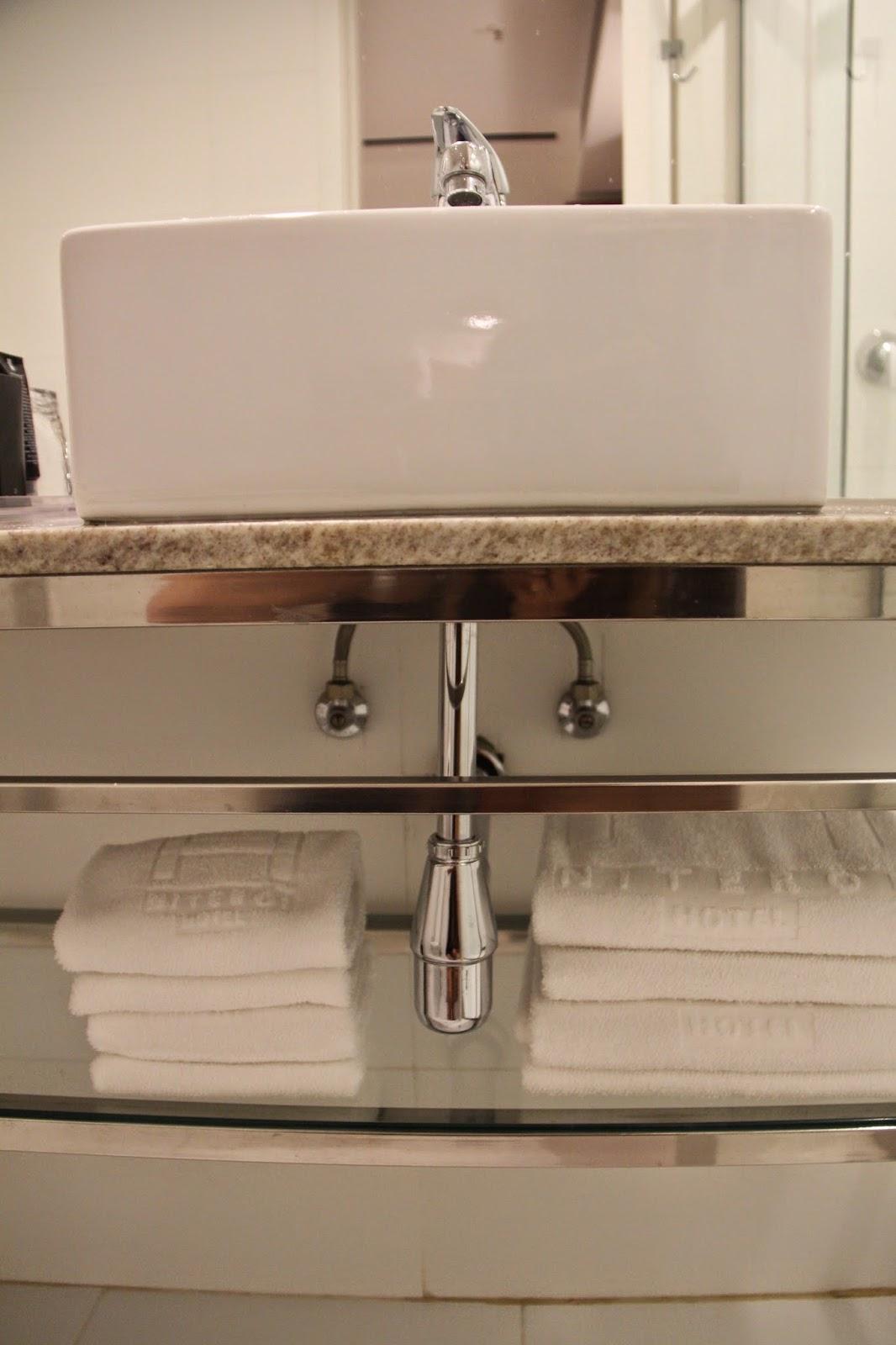 Imagens de #8A6A41 Blog Apaixonados por Viagens: Hotel Review: H Niterói Hotel e um  1066x1600 px 2774 Box Banheiro Niteroi