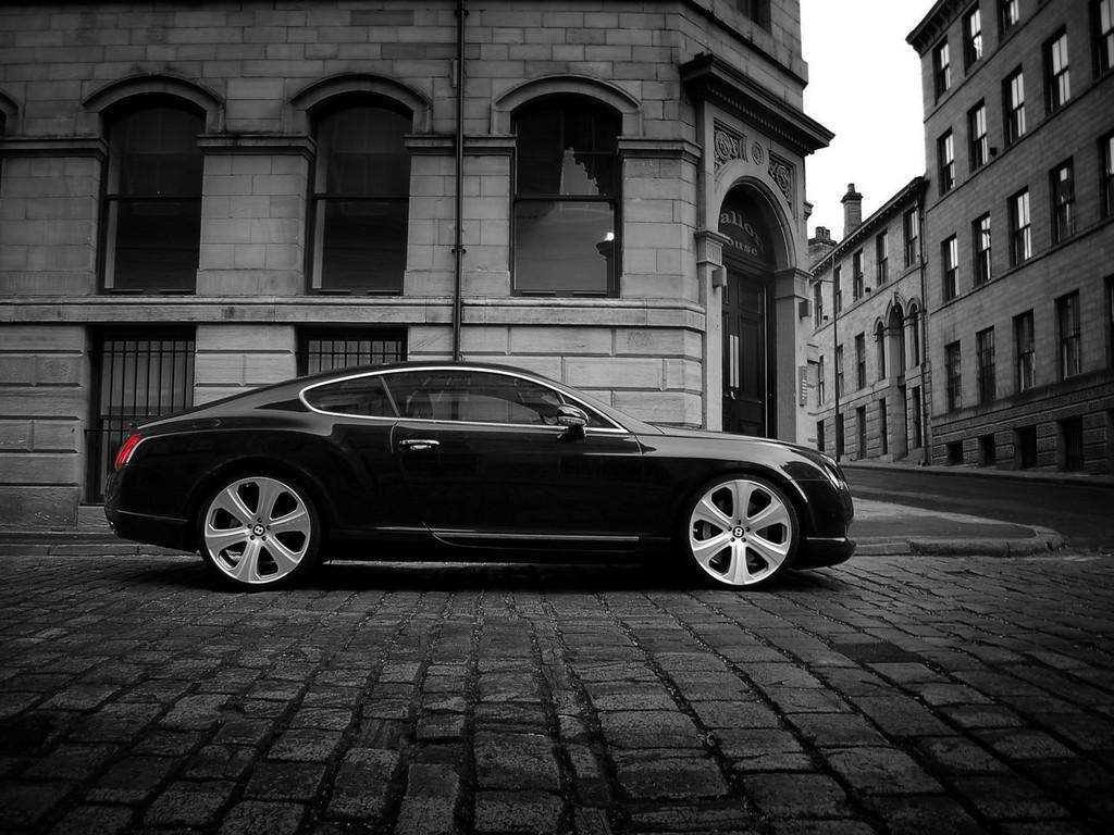 http://4.bp.blogspot.com/-V7FKiYvaGhQ/TzdRGHut6DI/AAAAAAAABnI/XsROcOAL6VY/s1600/Bentley+Continental+GT+Wallpapers-2.jpg