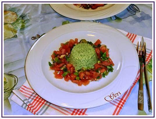 Spinat-Panna-Cotta mit Tomatenragout