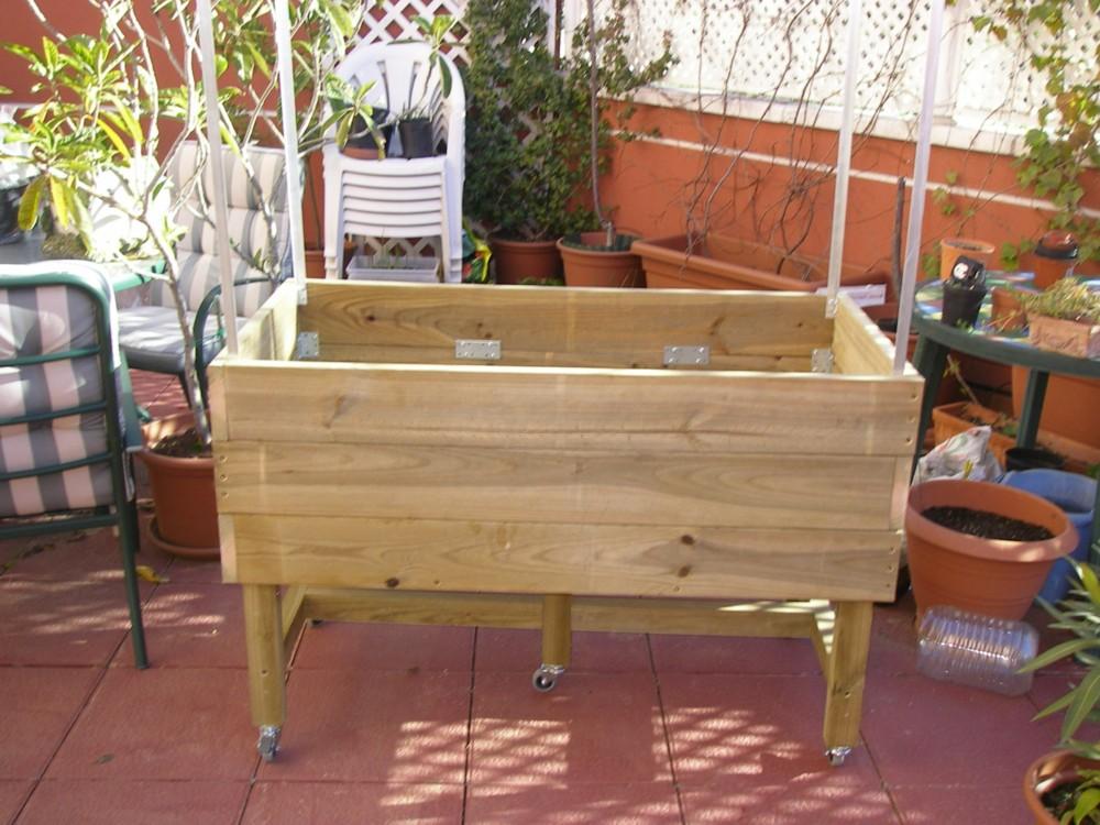 Cultivar el huerto casero mesa de cultivo de madera for Como hacer una mesa de cultivo casera