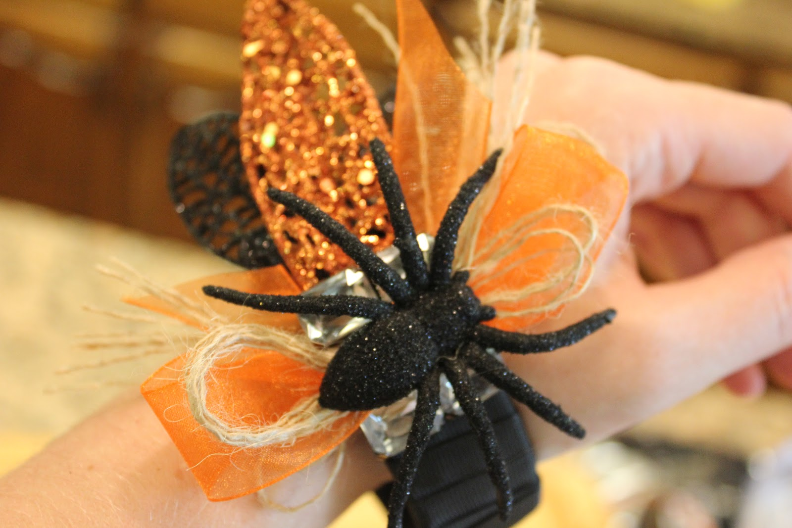 My Sister's Crazy!: HALLOWEEN ACCESSORIES...A MUST!