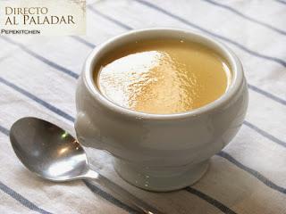 http://www.directoalpaladar.com/recetas-de-sopas-y-cremas/el-consome-a-la-reina-receta
