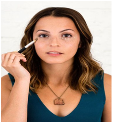 Use Concealer To Cover Dark Circles