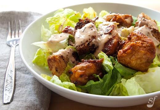 Steph joue au chef salade c sar ti de au poulet grill - Recette salade cesar au poulet grille ...