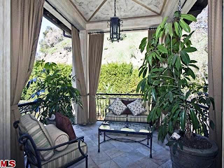 Living Room-Tuscan Home Decorating Ideas, Tuscan Home Decorating Photos, Tuscan Home Decorating Design