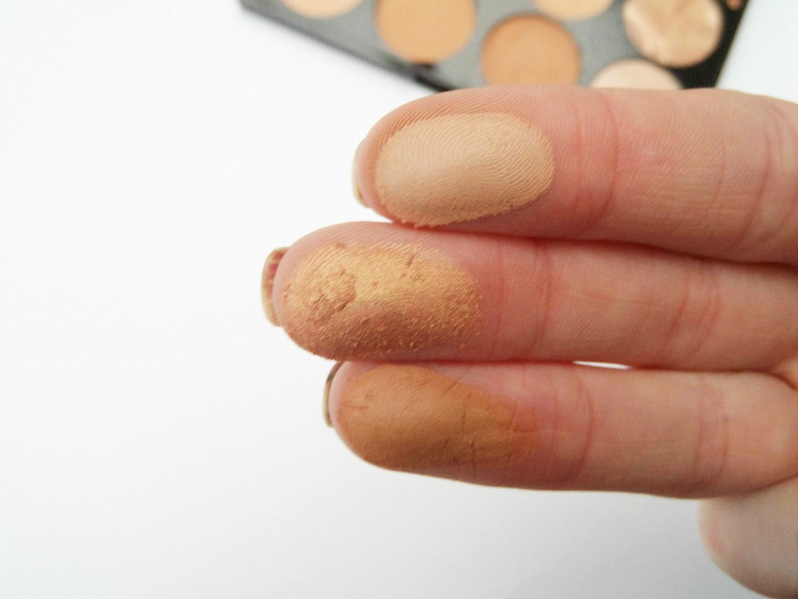Makeup Revolution Blush Palette All About Bronze Swatch