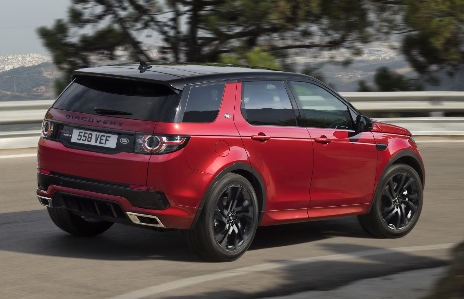Land Rover Discovery Sport Hse Black >> Land Rover Discovery Sport Gets New HSE Dynamic Lux For Frankfurt | Carscoops