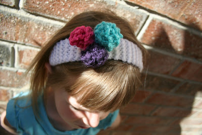 knitting pattern: flowers in her hair