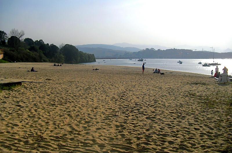 Playa El Tostadero en San Vicente de la Barquera
