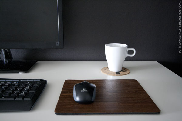diy faux wood grain mouse pad - white desk and black wall