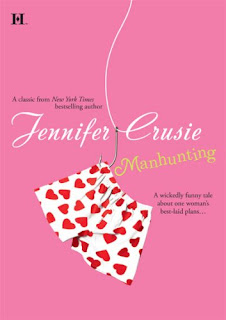 Book cover of Manhunting by Jennifer Crusie