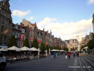 Oude Markt Leuven, Flandes