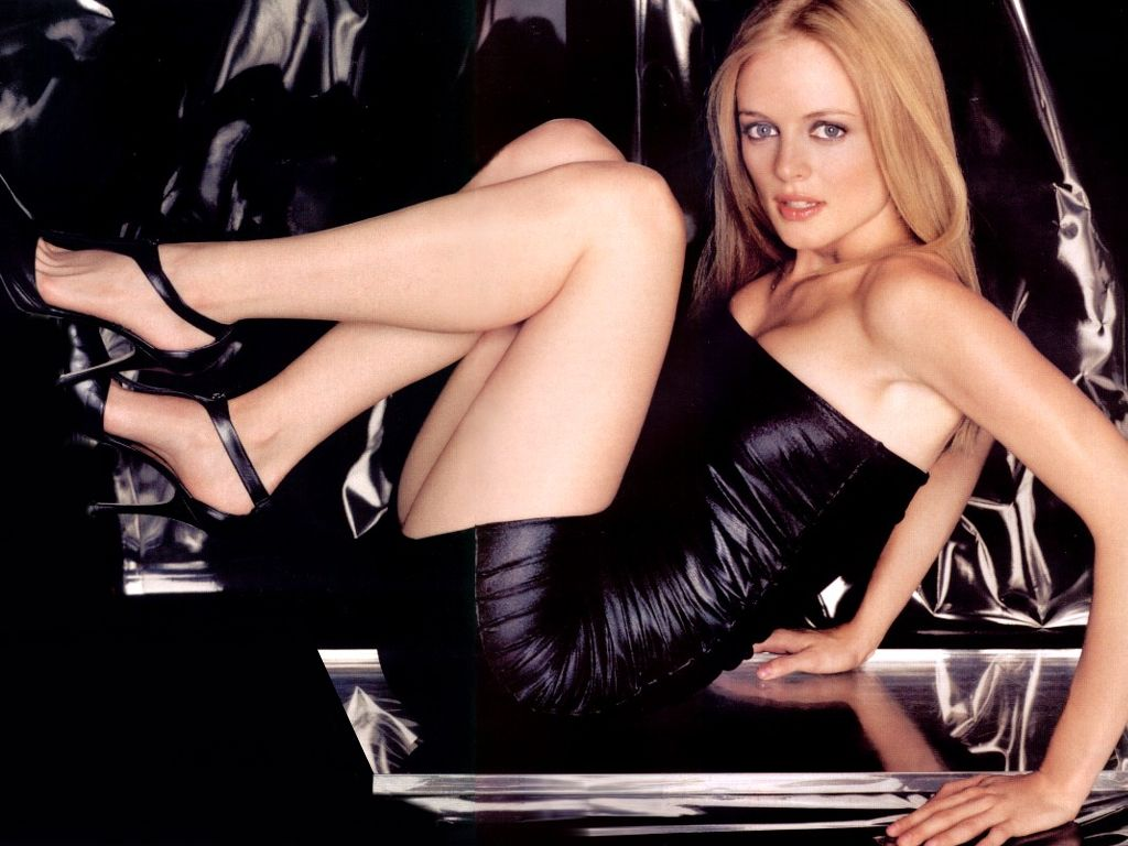 Sexy Girl On A Blue Couch Heather Graham Lying On Her