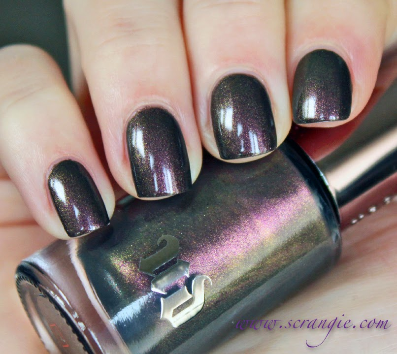 Scrangie: Urban Decay Blackheart Nail Lacquer for Holiday 2013