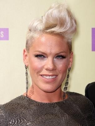 pink-hairstyles-2012-mtvvmas