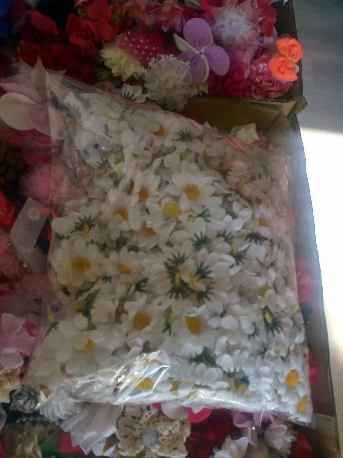 çocuk abiyeleri için abiye süsleme çiçekleri - papatya çiçek örneği