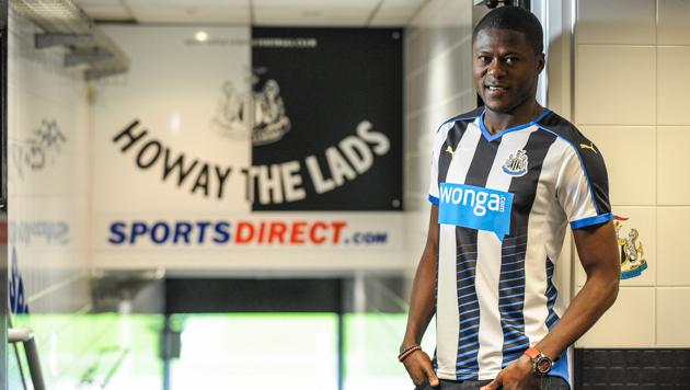 Chancel Mbemba Resmi Bergabung Newcastle United
