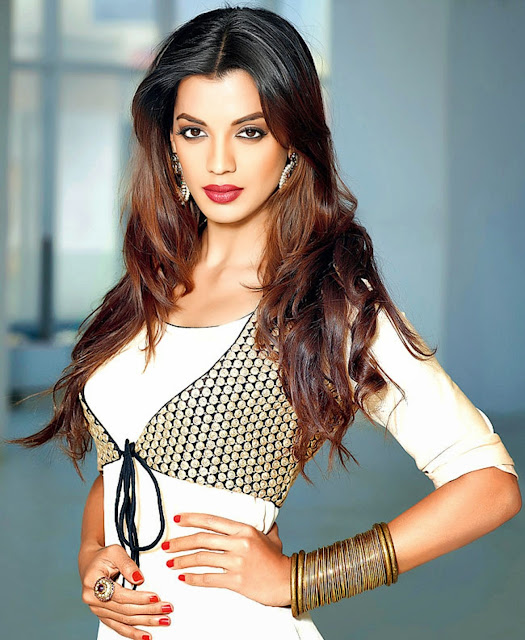 Beautiful Mugdha Godse HD Wallpaper