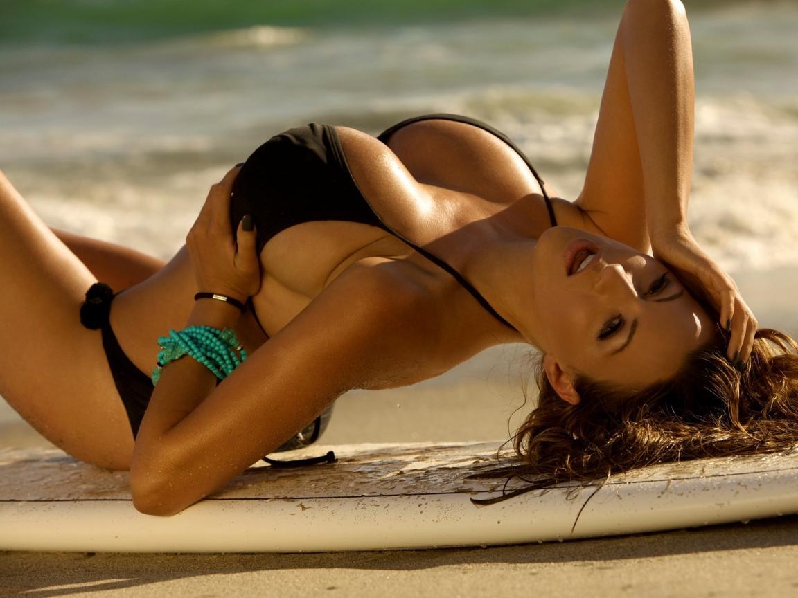 Смотреть грудастые девушки на пляже и с, Секс на пляже - подборка порно видео. Коллекция секс 2 фотография