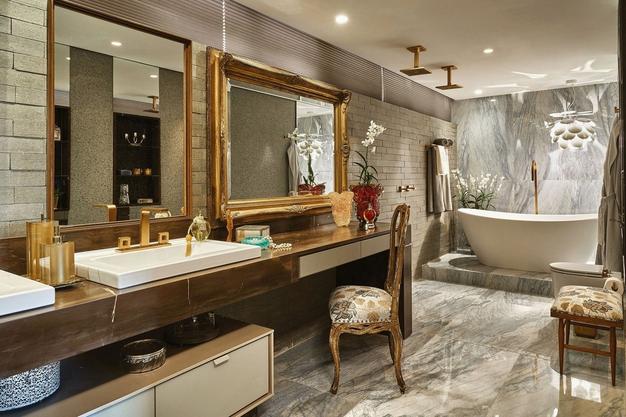Metais dourados em banheiros e lavabos  veja lindos ambientes com essa tendê -> Cuba Para Banheiro Luxo