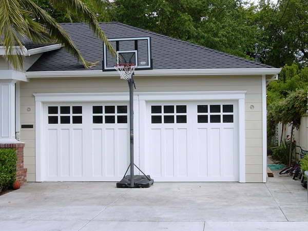 Vignette design garage door inspiration carriage style for Carriage style