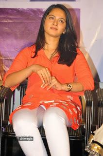 Anushka-Photos-at-Prema-Ishq-Kadhal-Audio-Success-Meet