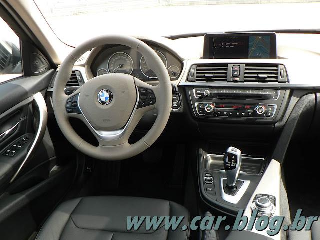 BMW 320i 2013 - interior - painel