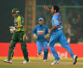 Bhuvneshwar-Kumar-INDIA-v-PAKISTAN-3rd-ODI