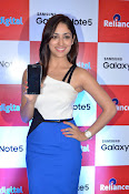 Yami Gautham at samsung note 5 launch-thumbnail-11