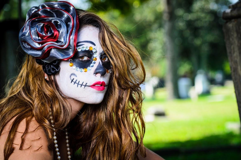 A la luz de la luna. - Página 2 Im%C3%A1genes-dia-de-muertos-todos-santos-halloween-disfraces-caracterizaciones-catrina-flores-maquillaje-make-up-+(3)