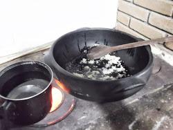 Cherin de Aio frito na Panela de Barro..