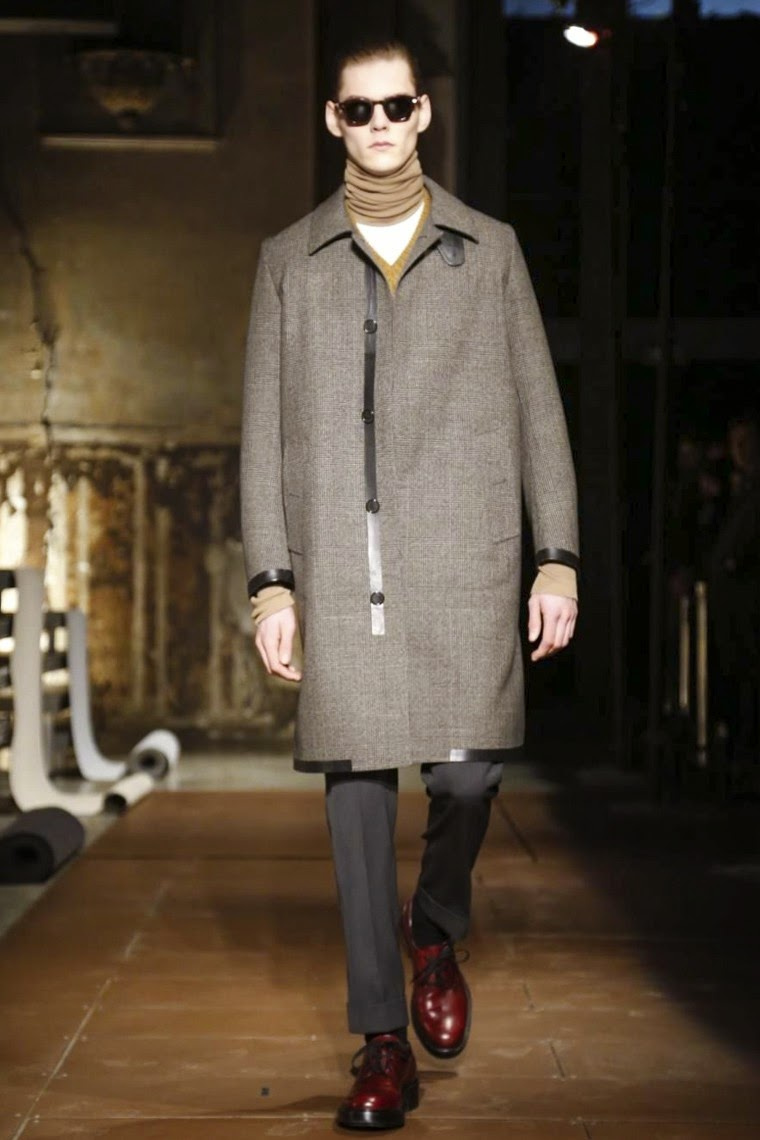 Cerruti AW15, Cerruti FW15, Cerruti Fall Winter 2015, Cerruti Autumn Winter 2015, Cerruti, du dessin aux podiums, dudessinauxpodiums, cerruti 1881 femme, cerruti homme, cerruti montre, cerruti 1881, Pitti Uomo, mode homme, menswear, habits, prêt-à-porter, tendance fashion, blog mode homme, magazine mode homme, site mode homme, conseil mode homme, doudoune homme, veste homme, chemise homme, vintage look, dress to impress, dress for less, boho, unique vintage, alloy clothing, venus clothing, la moda, spring trends, tendance, tendance de mode, blog de mode, fashion blog, blog mode, mode paris, paris mode, fashion news, designer, fashion designer, moda in pelle, ross dress for less, fashion magazines, fashion blogs, mode a toi, revista de moda, vintage, vintage definition, vintage retro, top fashion, suits online, blog de moda, blog moda, ropa, blogs de moda, fashion tops, vetement tendance, fashion week, Paris Fashion Week