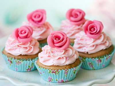 Pink Cream Roses on Muffins HD Desktop Wallpaper