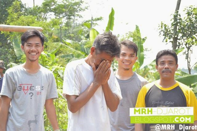 Semangat Gotong Royong di Kampung Pasirkalong