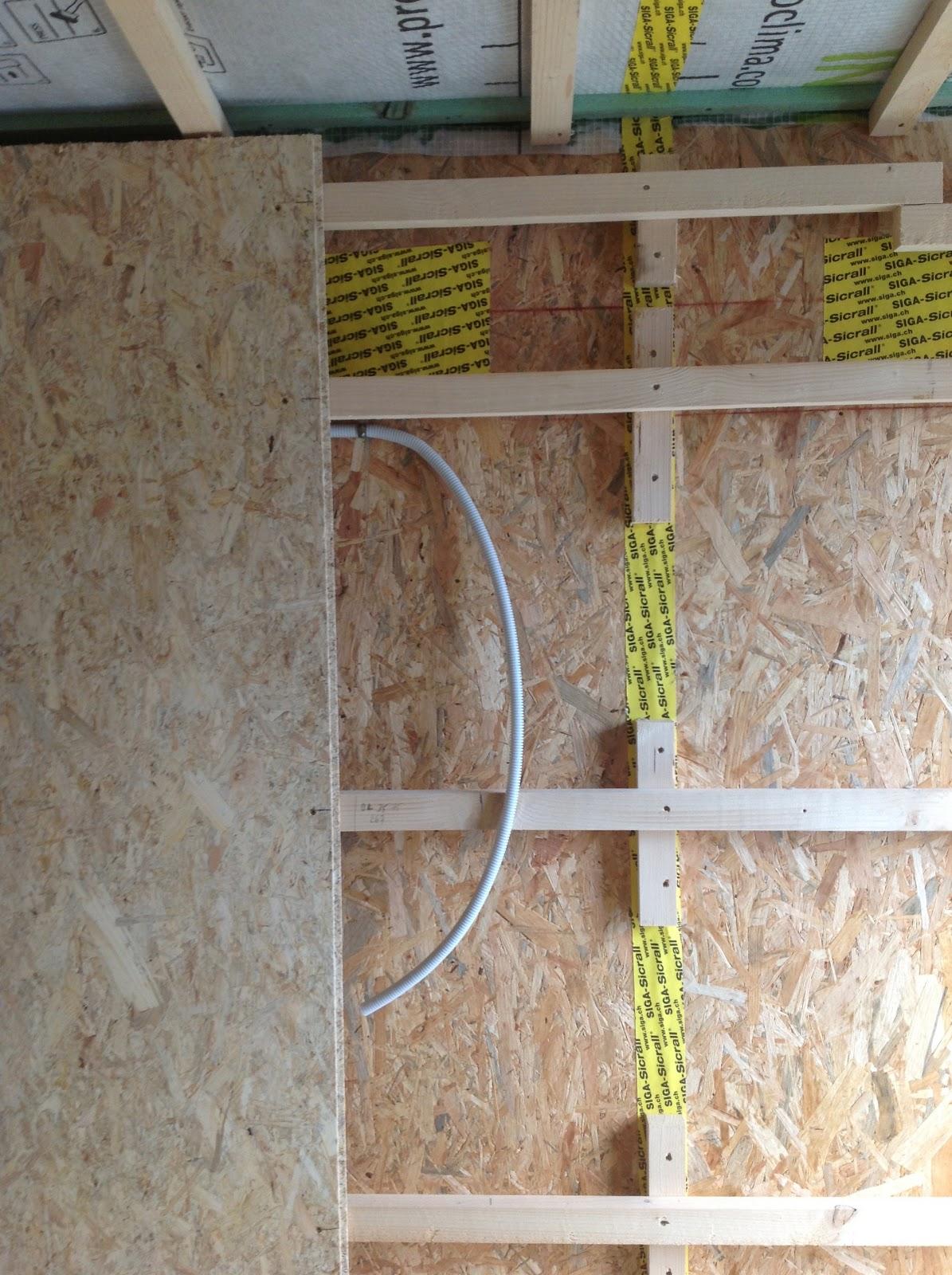 entre les bois pose de l 39 osb sur les murs. Black Bedroom Furniture Sets. Home Design Ideas