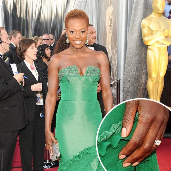 Esmalte unas para vestido verde