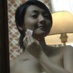 Gambar Foto Wiwid Gunawan Topless Telanjang Dada