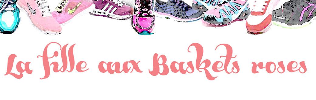 la fille aux baskets roses
