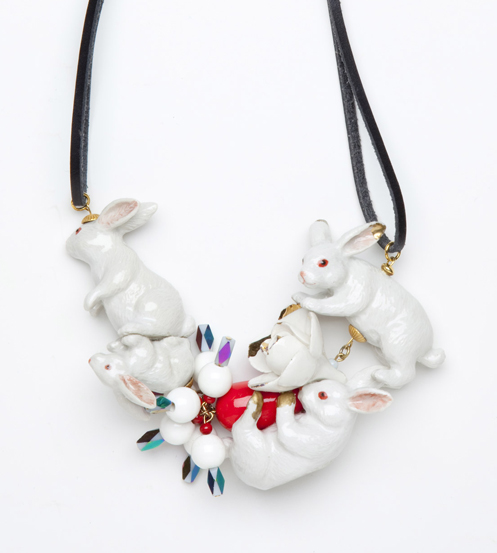 Necklace with porcelain rabbits by Andres Gallardo | www.stylemachineblog.com