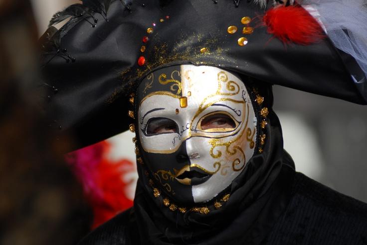 Moretta Muta Mask