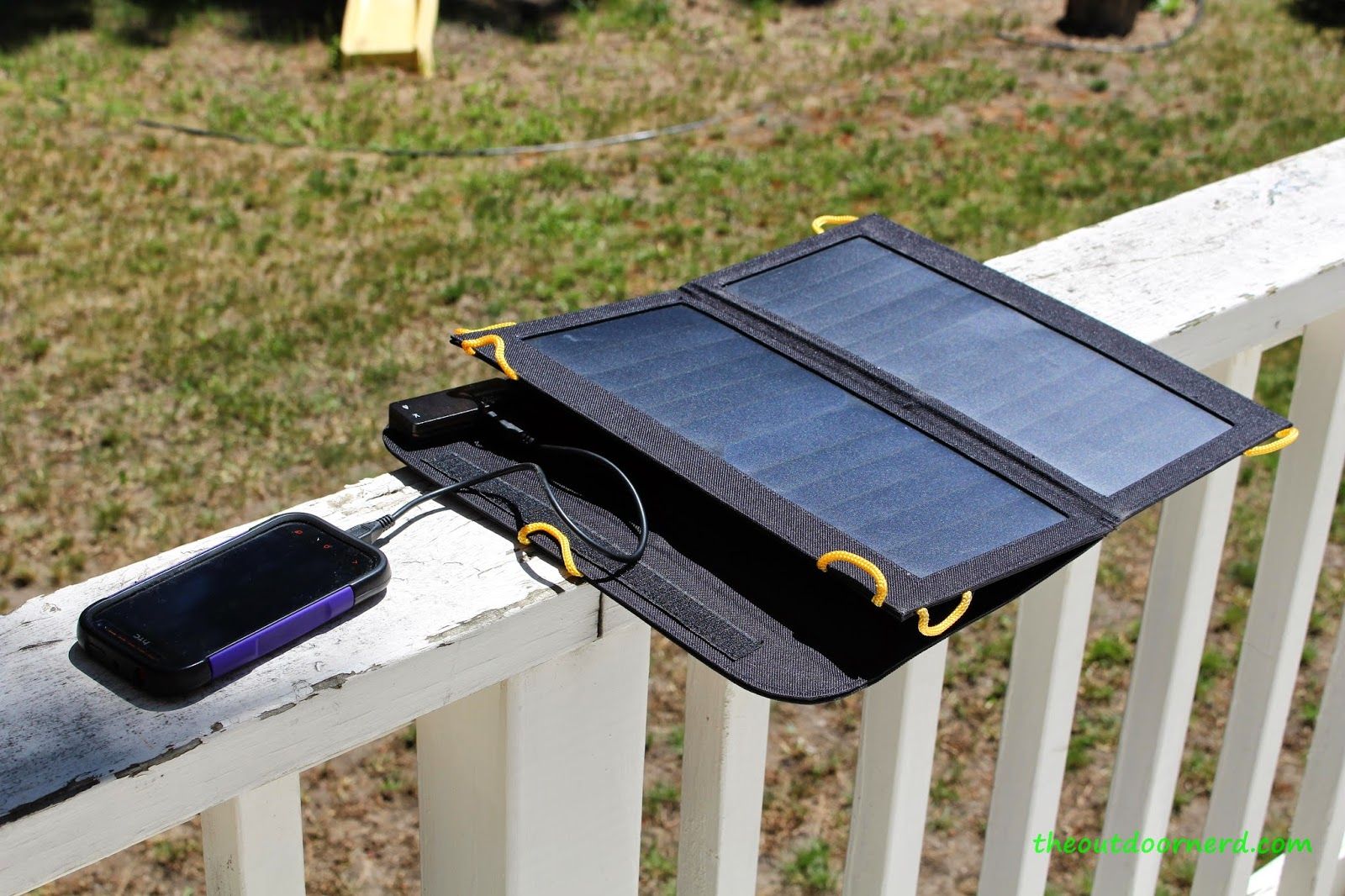 Levin Sol-Wing Solar USB Charger 2