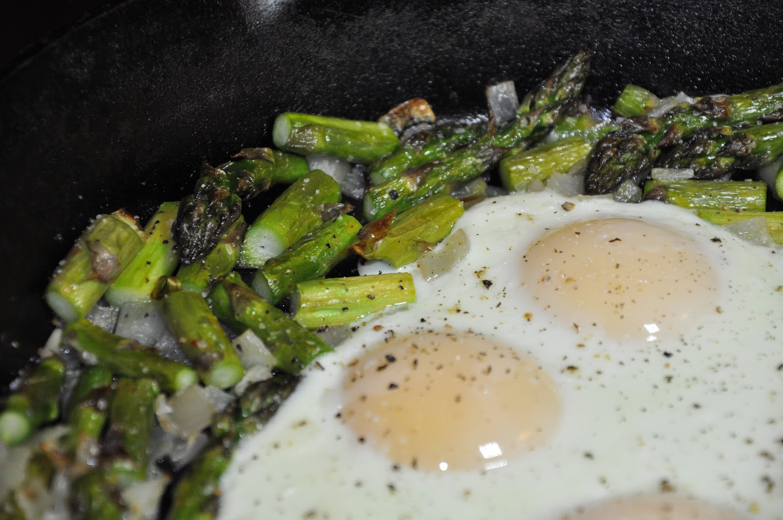 Slice of Rice: Midnight Asparagus with Creamy Eggs