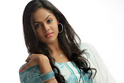 Karthika Nair latest Glamorous Photo shoot Gallery-thumbnail-5