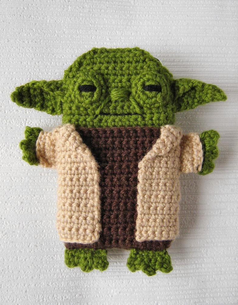 Crochet Yoda Pattern : ... Wars - Yoda - iPhone 5 case (cozy, sleeve, cover) Crochet PDF Pattern