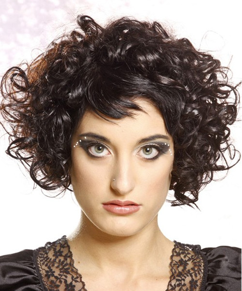 Short Hairstyles For Naturally Curly Hair Based On The Face Types