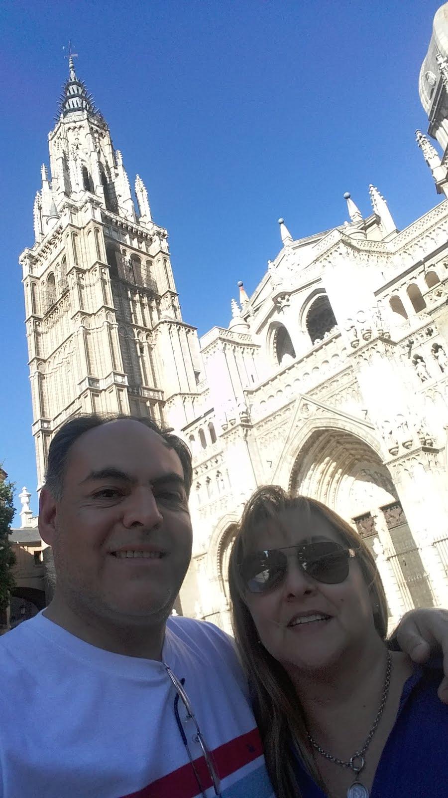 Ante la magnificencia gótica de la Catedral de Toledo