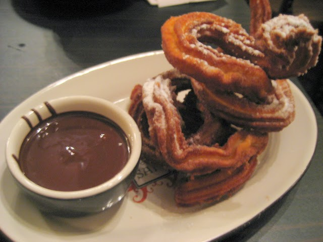Churros cokelat
