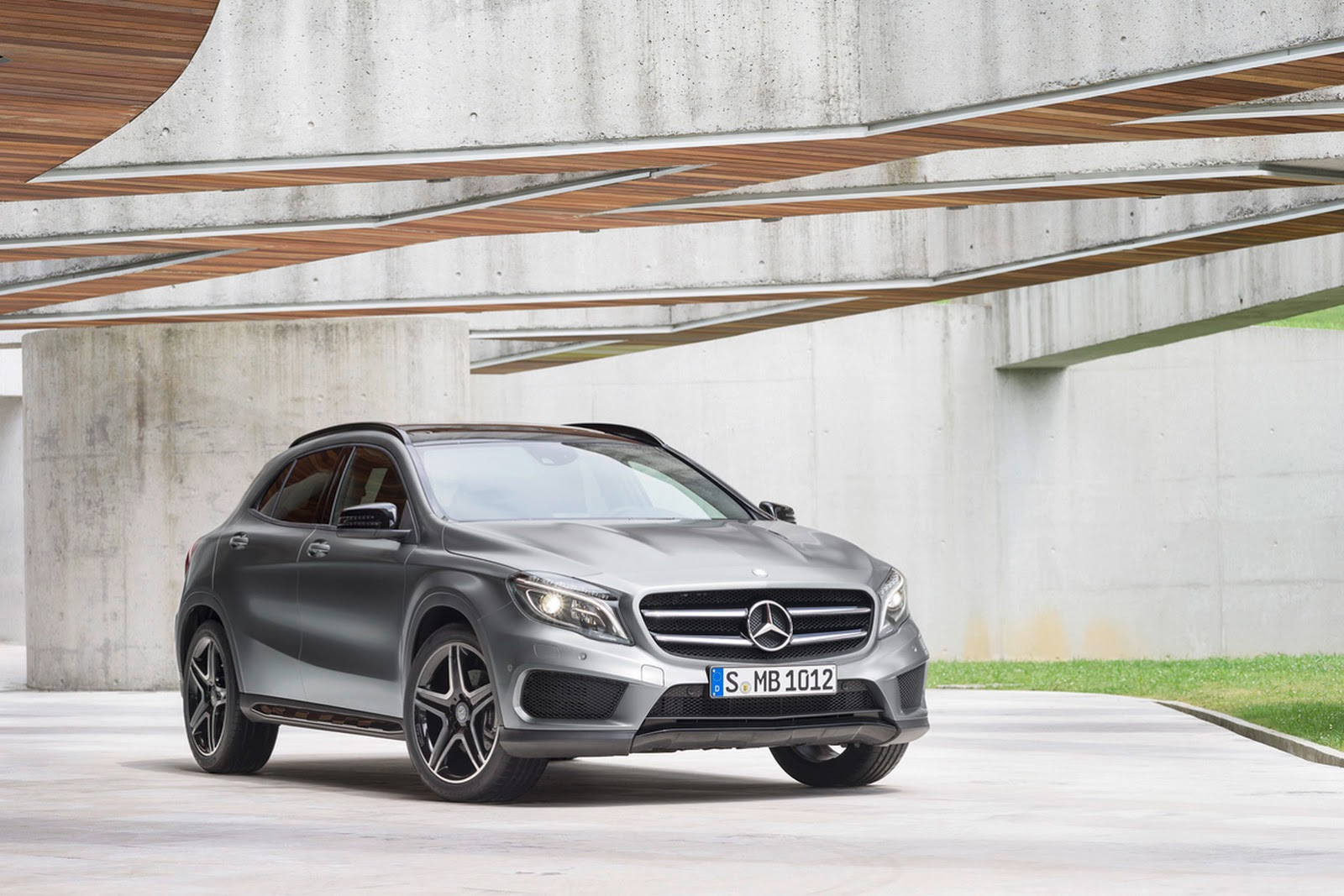 new 2015 mercedes gla compact suv from $31,300* in the u.s.