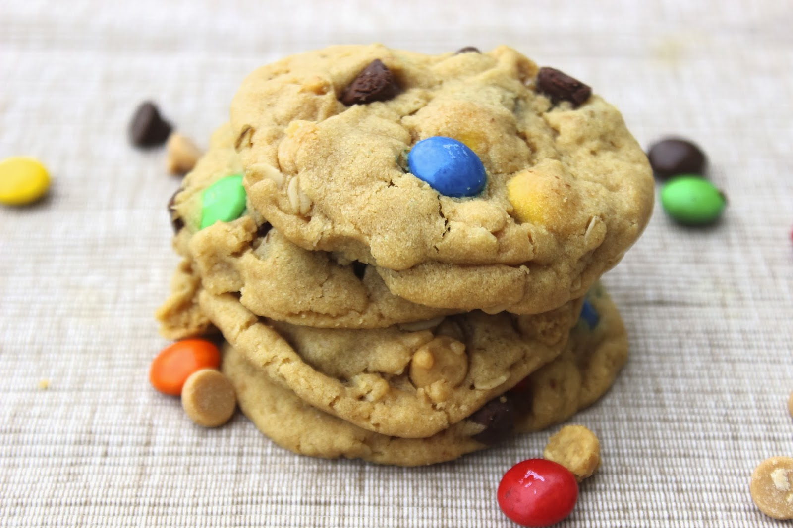 Monster Cookies- Cookie Monster Style - Hot Chocolate Hits